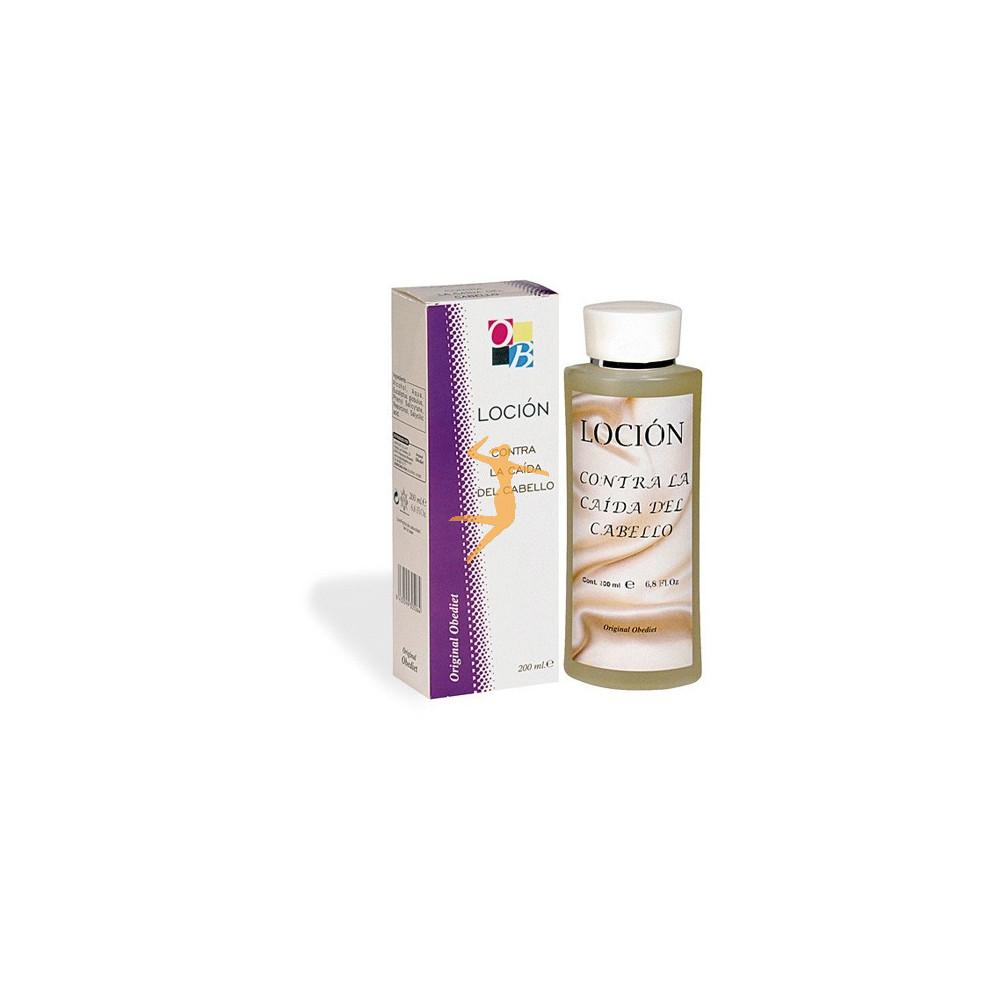 La aplicación del aceite de almendras para los cabellos secos