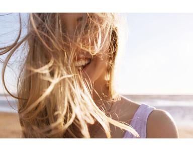 Lo que no te cuentan sobre cuidar el cabello en verano
